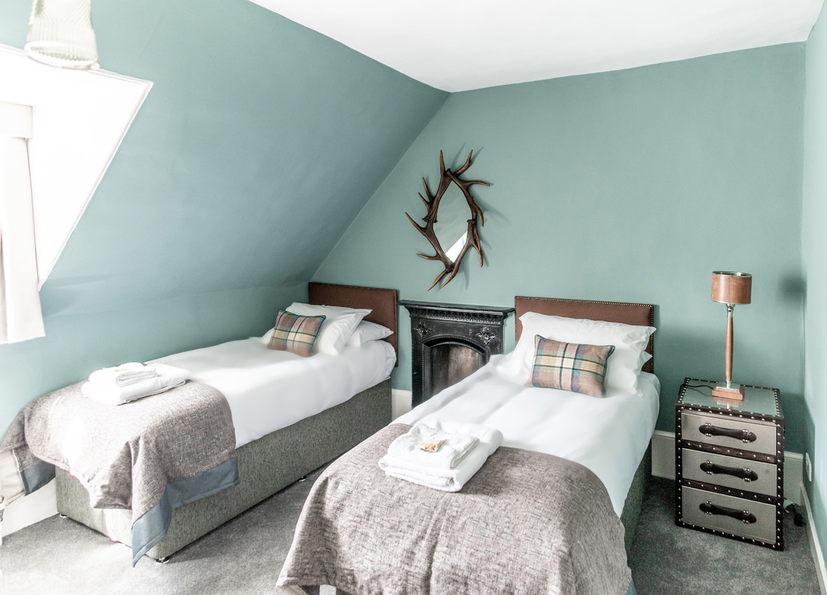 Drylaw House Stag bedroom image 2