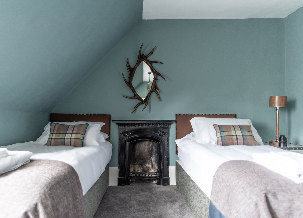 Drylaw House Stag bedroom image 4